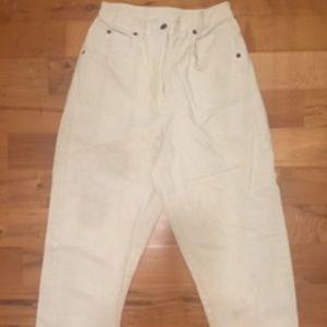 Vintage Newport News White Capri Pants, Size 6